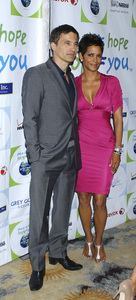 """""""Jenesse Silver Rose Luncheon""""     Olivier Martinez, Halle Berry4-17-2011 / Beverly Hills Hotel / Beverly Hills CA / Photo by Gary Lewis - Image 24054_0013"""