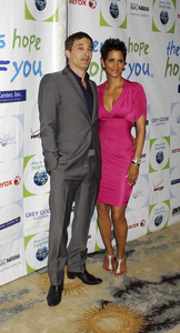 """""""Jenesse Silver Rose Luncheon""""     Olivier Martinez, Halle Berry4-17-2011 / Beverly Hills Hotel / Beverly Hills CA / Photo by Gary Lewis - Image 24054_0016"""