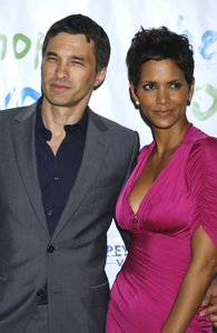 """""""Jenesse Silver Rose Luncheon""""     Olivier Martinez, Halle Berry4-17-2011 / Beverly Hills Hotel / Beverly Hills CA / Photo by Gary Lewis - Image 24054_0019"""