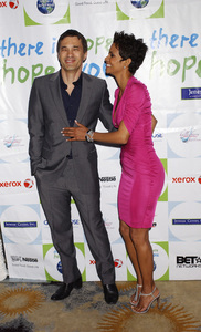 """""""Jenesse Silver Rose Luncheon""""     Olivier Martinez, Halle Berry4-17-2011 / Beverly Hills Hotel / Beverly Hills CA / Photo by Gary Lewis - Image 24054_0024"""