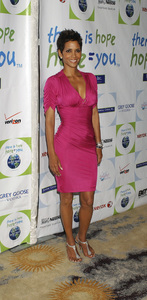 """Jenesse Silver Rose Luncheon""     Halle Berry4-17-2011 / Beverly Hills Hotel / Beverly Hills CA / Photo by Gary Lewis - Image 24054_0025"