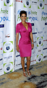 """""""Jenesse Silver Rose Luncheon""""     Halle Berry4-17-2011 / Beverly Hills Hotel / Beverly Hills CA / Photo by Gary Lewis - Image 24054_0026"""