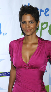 """Jenesse Silver Rose Luncheon""     Halle Berry4-17-2011 / Beverly Hills Hotel / Beverly Hills CA / Photo by Gary Lewis - Image 24054_0032"