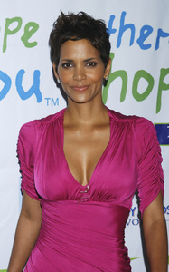 """Jenesse Silver Rose Luncheon""     Halle Berry4-17-2011 / Beverly Hills Hotel / Beverly Hills CA / Photo by Gary Lewis - Image 24054_0033"