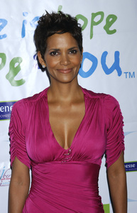 """""""Jenesse Silver Rose Luncheon""""     Halle Berry4-17-2011 / Beverly Hills Hotel / Beverly Hills CA / Photo by Gary Lewis - Image 24054_0034"""