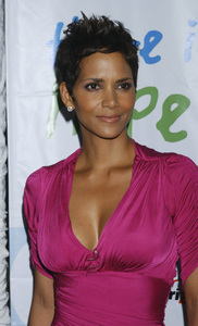 """""""Jenesse Silver Rose Luncheon""""     Halle Berry4-17-2011 / Beverly Hills Hotel / Beverly Hills CA / Photo by Gary Lewis - Image 24054_0036"""