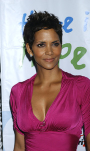 """Jenesse Silver Rose Luncheon""     Halle Berry4-17-2011 / Beverly Hills Hotel / Beverly Hills CA / Photo by Gary Lewis - Image 24054_0037"