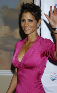 """Jenesse Silver Rose Luncheon""     Halle Berry4-17-2011 / Beverly Hills Hotel / Beverly Hills CA / Photo by Gary Lewis - Image 24054_0038"