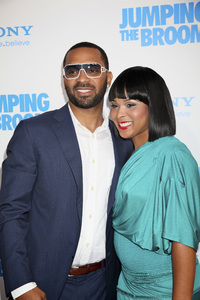 """Jumping the Broom"" PremiereMichelle McCain, Mike Epps5-4-2011 /ArcLight Cinerama Dome / Hollywood CA / Sony Pictures / Photo by Imeh Akpanudosen - Image 24060_0187"
