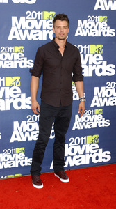 """MTV Movie Awards 2011""Josh Duhamel 6-5-2011 / Gibson Ampitheater / Hollywood CA / MTV / Photo by Gary Lewis - Image 24071_0023"