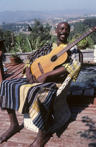 Louis Gossett Jr. at his Malibu home1982 © 1982 Gunther - Image 2407_0207