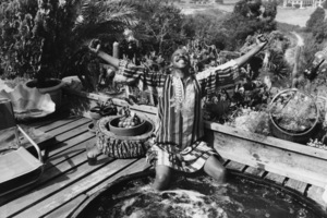 Louis Gossett Jr. at his Malibu home1982 © 1982 Gunther - Image 2407_0212