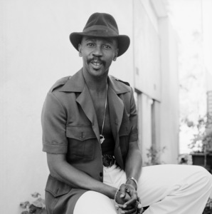Louis Gossett Jr. at his home in Malibu, California 1977 © 1978 Bobby Holland - Image 2407_0228