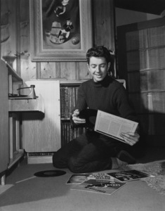 Farley Granger at home1951Photo by Jack Albin - Image 2409_0003