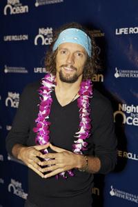 """8th Annual Nigh by the Ocean Gala"" Jason Mraz9-15-2011 / Ritz-Carlton / Marina Del Rey / Life Rolls On Foundation / Photo by Kristin Kirgan - Image 24115_0087"