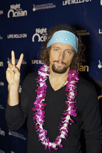 """8th Annual Nigh by the Ocean Gala"" Jason Mraz9-15-2011 / Ritz-Carlton / Marina Del Rey / Life Rolls On Foundation / Photo by Kristin Kirgan - Image 24115_0089"
