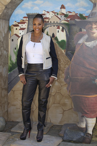 """""""Puss in Boots"""" Premiere Vivica A. Fox10-23-2011 / Regency Village Theater / Westwood CA / Dreamworks / Photo by Kristin Kirgan - Image 24128_0157"""