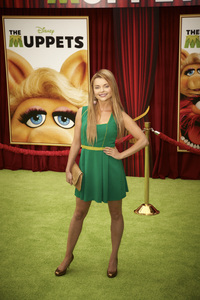 """""""The Muppets"""" Premiere Izabella Miko11-12-2011 / El Capitan Theater / Hollywood CA / Walt Disney Pictures / Photo by Kevin Kozicki - Image 24138_0223"""