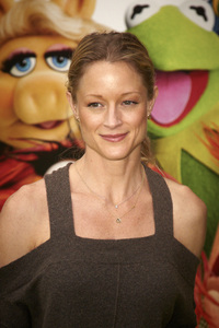 """The Muppets"" Premiere Teri Polo11-12-2011 / El Capitan Theater / Hollywood CA / Walt Disney Pictures / Photo by Kevin Kozicki - Image 24138_0246"