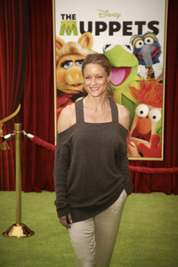 """""""The Muppets"""" Premiere Teri Polo11-12-2011 / El Capitan Theater / Hollywood CA / Walt Disney Pictures / Photo by Kevin Kozicki - Image 24138_0248"""