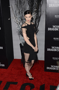 """""""The Girl with the Dragon Tattoo"""" Premiere Rooney Mara12-14-2011 / Ziegfeld Theater / New York NY / Sony Pictures / Photo by Eric Reichbaum - Image 24142_0163"""