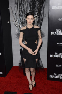 """""""The Girl with the Dragon Tattoo"""" Premiere Rooney Mara12-14-2011 / Ziegfeld Theater / New York NY / Sony Pictures / Photo by Eric Reichbaum - Image 24142_0165"""