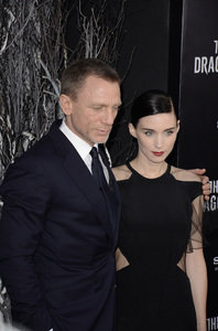 """""""The Girl with the Dragon Tattoo"""" Premiere Daniel Craig, Rooney Mara12-14-2011 / Ziegfeld Theater / New York NY / Sony Pictures / Photo by Eric Reichbaum - Image 24142_0199"""