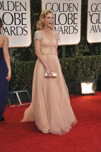 """The Golden Globe Awards - 69th Annual"" (Arrivals) Julie Bowen1-15-2012 © 2012 Jean Cummings - Image 24150_0289"