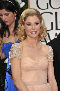 """The Golden Globe Awards - 69th Annual"" (Arrivals) Julie Bowen1-15-2012 © 2012 Jean Cummings - Image 24150_0293"