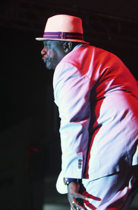 Cedric the Entertainer performing at the Baldwin Hills Crenshaw Mall in Los Angeles2011© 2011 Michael Jones - Image 24182_0016