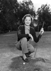 Jane Greer golfing, c. 1955.Photo by Paul Hesse - Image 2420_0002