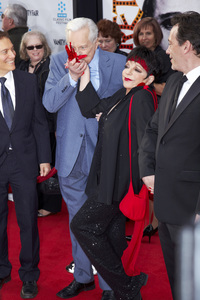 """40th Anniversary Restoration of Cabaret"" Premiere Liza Minnelli, Robert Osborne4-12-2012 / Grauman Chinese Theater / TCM Film Festival / Hollywood CA / Photo by Kevin Kozicki - Image 24206_0096"
