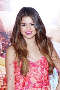 """""""Katy Perry: Part of Me"""" Premiere Selena Gomez6-26-2012 / Grauman"""