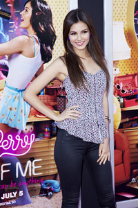 """""""Katy Perry: Part of Me"""" Premiere Victoria Justice6-26-2012 / Grauman"""
