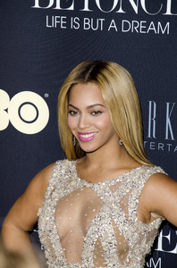 """""""Beyonce: Life is But a Dreamî PremiereBeyonce Knowles2-12-2013 / Ziegfeld Theater / New York NY / HBO / Photo by Eric Reichbaum - Image 24261_029"""