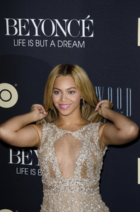 """Beyonce: Life is But a Dreamî PremiereBeyonce Knowles2-12-2013 / Ziegfeld Theater / New York NY / HBO / Photo by Eric Reichbaum - Image 24261_037"