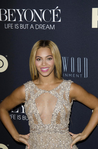 """Beyonce: Life is But a Dreamî PremiereBeyonce Knowles2-12-2013 / Ziegfeld Theater / New York NY / HBO / Photo by Eric Reichbaum - Image 24261_040"