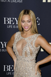 """Beyonce: Life is But a Dreamî PremiereBeyonce Knowles2-12-2013 / Ziegfeld Theater / New York NY / HBO / Photo by Eric Reichbaum - Image 24261_055"