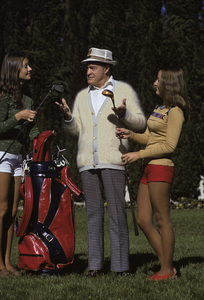 Bob Hope on the putting green of his Toluca Lake home1972© 1978 Paul Slaughter - Image 24262_0016