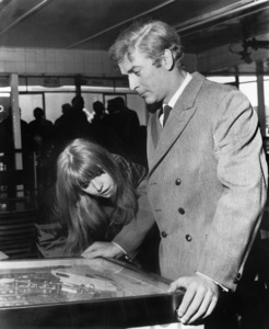 """Michael Caine and Jane Asher play pinball in """"Alfie"""" 1966 Paramount ** I.V. - Image 24287_0002"""