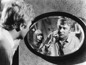 "Michael Caine and Jane Asher in ""Alfie"" 1966 Paramount ** I.V. - Image 24287_0003"
