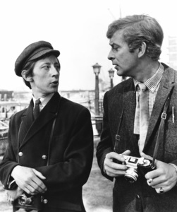 """Michael Caine and Murray Melvin holding 35mm cameras in """"Alfie""""1966 Paramount  ** I.V. - Image 24287_0006"""