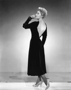 """Kim Novak wardrobe test for """"Bell Book and Candle"""" 1958 Columbia  ** I.V. - Image 24287_0017"""