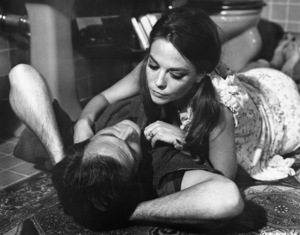 "Natalie Wood and Robert Culp in ""Bob & Carol & Ted & Alice"" 1969 Columbia ** I.V. - Image 24287_0044"
