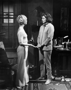 "Goldie Hawn and Ingrid Bergman in ""Cactus Flower""1969 Columbia ** I.V. - Image 24287_0061"