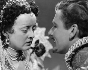 """""""The Private Lives of Elizabeth and Essex""""Bette Davis, Errol Flynn 1939 Warner BrothersPhoto by Bert Six** I.V. - Image 24287_0148"""