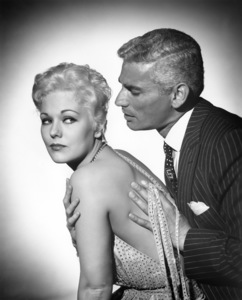 "Kim Novak and Jeff Chandler in ""Jeanne Eagels"" 1957 Columbia ** I.V. - Image 24287_0214"