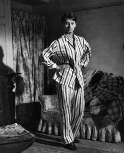 "Sophia Loren wearing in ""The Key"" 1958 Columbia ** I.V. - Image 24287_0221"