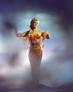 """Doris Day in """"The Glass Bottom Boat""""1966 MGM** B.D.M. - Image 24293_0076"""