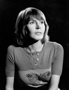 Helen Reddy circa 1973** B.D.M. - Image 24293_0199